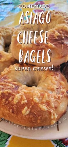 If you love asiago cheese bagels, this is your lucky day. This asiago bagel recipe benefits from a long, overnight rise and bakes up chewy and perfect! Artisan Bread Recipes, Easy Bread Recipes, Baking Recipes, Simple Recipes, Sandwich Recipes, Cheese Recipes, Cheese Bagels, Asiago Cheese, Best Bread Recipe