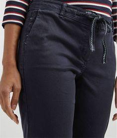 Pantalon femme chino avec ceinture. Pantalon femme chino avec ceinture  MARINE - Grain de Malice b4505b79c43