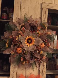 Wreath DIY Pumpkin and Sunflower Fall Wreath Decor This gorgeous DIY fall home decor i . Diy Fall Wreath, Fall Diy, Holiday Wreaths, Wreath Ideas, Burlap Wreath, Diy Pumpkin, Pumpkin Wreath, Front Door Decor, Front Porch