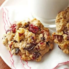 Here it is! The classic cookie recipe for the sweet, lightly spiced delights you seek. PS: If you want to add a surprise to your oatmeal cookies, choose the chocolate or raisin stir-ins, suggested below./