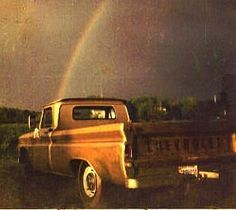 Love this old truck! :)