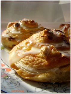 Puff pastry with puff pastry - rumma- Puffed yeast donut – rumma Quick Meals For Kids, Quick Easy Meals, Easy Meat Recipes, Easy Salad Recipes, Vegan Recipes, Healthy Eating Tips, Healthy Nutrition, Yeast Donuts, Recipes With Few Ingredients