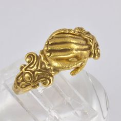 Vintage 14kt Gold Fede (Claddagh) Heart in Hand Ring - Metropolitan Museum of Art - Size 8 C1980