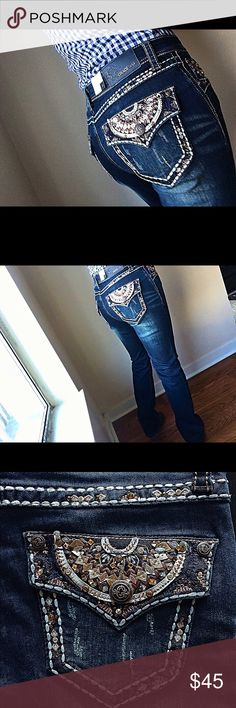 New!!! Grace in LA jeans retail price 95.00 NWT!! Grace in LA jeans size 28 easy fit style straight boot 98% cotton 2% Elastane inseam 34 ( hand wash cold water) Grace in LA Jeans Boot Cut