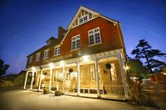 The Chaser Inn - Pub/Inn in Tonbridge, Kent, Tonbridge and Malling - Great Country Pubs (near Ightham Mote) Uk Pub, London Travel, Days Out, England, Mansions, Country, House Styles, Pub Ideas, Bucket