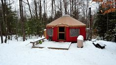 My winter getaway to a yurt in Maine #yurt #travel #Maine