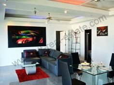 Penhouse for sale and rent rent in Jomtien Beach condominium overlooking the sea. 2 bedrooms / 3 bathrooms / balcony with stunning seaview. Fully furnished and decarate built in furnitures to high quality standard.