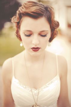 39 ideas vintage wedding makeup for brown eyes gatsby lip colors Great Gatsby Hairstyles, Vintage Hairstyles, Wedding Hairstyles, Braid Hairstyles, Hairdo Wedding, Wedding Hair And Makeup, Hair Makeup, 1920s Wedding, Red Makeup