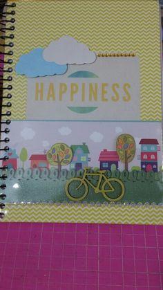 Caderno decorado em scrapbook