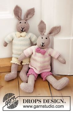 Mr Bunny - Knitted bunny toy with pants, jumper and bow in DROPS Baby Merino Free knitted pattern BABY DROPS 25-8