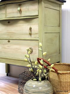 """Acc. to Shari:""""    The body is painted with ASCP Versailles.  The drawers are Versailles, with an Old Ochre wash.  I did a striping technique to mimic the look of a natural board running through the middle of the drawers.""""  I love this look!"""