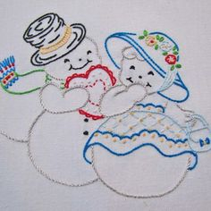 new brazilian embroidery patterns Hand Embroidery Patterns Free, Hand Embroidery Projects, Christmas Embroidery Patterns, Hand Work Embroidery, Embroidery Transfers, Hand Embroidery Stitches, Crewel Embroidery, Machine Embroidery Designs, Ribbon Embroidery