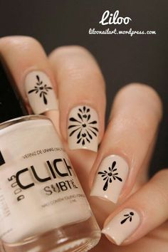 Nail Art: Nude Nails with black Accents