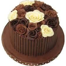 Resultado de imagem para tortas de chocolates decoradas