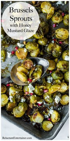 Brussels Sprouts with Honey Mustard Glaze Recipe Holiday Side Dishes, Best Side Dishes, Brussel Sprout Salad, Brussels Sprouts, Honey Mustard Glaze, Fitness Models, Photo Food, Roasted Sprouts, Healthy Vegetable Recipes