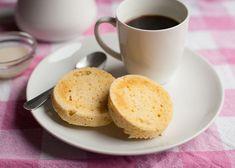 Heerlijke kleine paleo broodjes die in een handomdraai gemaakt zijn. Lekker voor je favoriete beleg of een gebakken eitje bij je paleo ontbijt. Uiteraard zijn ze ook heerlijk om mee [