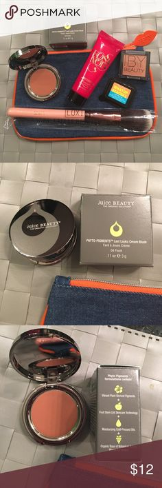NEW IPSY FEBRUARY 2017 COSMETIC BAG AND PRODUCTS ALL BRAND NEW,WILL COME AS I RECEIVED IT . GREAT ADD ON 2 GET MY BUNDLE DISCOUNT. NO OFFERS ON BUNDLES PLEASE.I subscribe 2 many beauty subscriptions && I'm on over load so I'm listing them as they come unless I really want something out of it.This is feb.2017 IPSY. Comes with COSMETIC pouch ,blush brush , juice beauty phyto pigments cream blush in 04 flush .11oz , Rosa Nior hand & body milk 1.01 fl.oz, IBY Beauty highlighter in Bubbly 0.06oz…