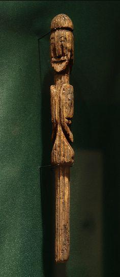 God Pole - Kulturhistorisk museum, University of Oslo, Norway - uncropped photo taken by mararie on Flickr