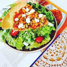 "Pizza bardzo warzywna z serem feta. <a class=""pintag"" href=""/explore/healthy/"" title=""#healthy explore Pinterest"">#healthy</a> <a class=""pintag searchlink"" data-query=""%23healthyfood"" data-type=""hashtag"" href=""/search/?q=%23healthyfood&rs=hashtag"" rel=""nofollow"" title=""#healthyfood search Pinterest"">#healthyfood</a> <a class=""pintag searchlink"" data-query=""%23followall"" data-type=""hashtag"" href=""/search/?q=%23followall&rs=hashtag"" rel=""nofollow"" title=""#followall search Pinterest"">#followall</a> <a class=""pintag searchlink"" data-query=""%23fit"" data-type=""hashtag"" href=""/search/?q=%23fit&rs=hashtag"" rel=""nofollow"" title=""#fit search Pinterest"">#fit</a> <a class=""pintag"" href=""/explore/fitness/"" title=""#fitness explore Pinterest"">#fitness</a> <a class=""pintag searchlink"" data-query=""%23instafood"" data-type=""hashtag"" href=""/search/?q=%23instafood&rs=hashtag"" rel=""nofollow"" title=""#instafood search Pinterest"">#instafood</a> <a class=""pintag searchlink"" data-query=""%23instafollow"" data-type=""hashtag"" href=""/search/?q=%23instafollow&rs=hashtag"" rel=""nofollow"" title=""#instafollow search Pinterest"">#instafollow</a> <a class=""pintag"" href=""/explore/crochet/"" title=""#crochet explore Pinterest"">#crochet</a> <a class=""pintag searchlink"" data-query=""%23l4l"" data-type=""hashtag"" href=""/search/?q=%23l4l&rs=hashtag"" rel=""nofollow"" title=""#l4l search Pinterest"">#l4l</a> <a class=""pintag searchlink"" data-query=""%23like4like"" data-type=""hashtag"" href=""/search/?q=%23like4like&rs=hashtag"" rel=""nofollow"" title=""#like4like search Pinterest"">#like4like</a> <a class=""pintag searchlink"" data-query=""%23foodporn"" data-type=""hashtag"" href=""/search/?q=%23foodporn&rs=hashtag"" rel=""nofollow"" title=""#foodporn search Pinterest"">#foodporn</a> <a class=""pintag searchlink"" data-query=""%23foodphotography"" data-type=""hashtag"" href=""/search/?q=%23foodphotography&rs=hashtag"" rel=""nofollow"" title=""#foodphotography search Pinterest"">#foodphotography</a> <a class=""pintag searchlink"" data-query=""%23yummy"" data-"