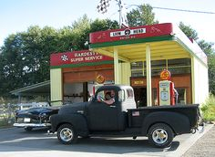 My truck ... 1950 Chevy 5 window with a 283, a 4 speed overdrive and twice pipes, what funn !!!