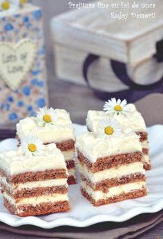 Good cake with nut leaves Source by Ice Cream Desserts, Vegan Desserts, Easy Desserts, Delicious Desserts, Sweets Recipes, Cake Recipes, Cooking Recipes, Romanian Desserts, Sweet Cooking