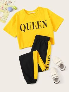 To find out about the Girls Letter Print Top & Contrast Side Sweatpants Set at SHEIN, part of our latest Girls Two-piece Outfits ready to shop online today! Cute Lazy Outfits, Teenage Outfits, Sporty Outfits, Outfits For Teens, Trendy Outfits, Summer Outfits, Pajama Outfits, Crop Top Outfits, Girls Fashion Clothes