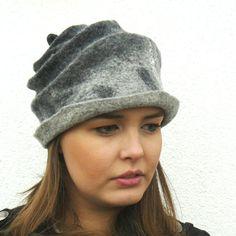 Vilten hoeden voor vrouwen of meisjes. Handgemaakte vilten techniek. Zeer goede kwaliteit Australische merinowol, die zacht en licht van gewicht.