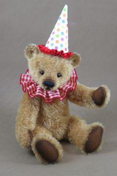 Happy, a classic teddy by me, Tami Eveslage