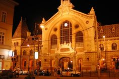 Váci utca (Vaci street) - the central market I shopped at next to my school in Budapest :) Places Ive Been, Places To Go, Liberty Bridge, Central Market, Interactive Map, Famous Landmarks, Night City, Budapest Hungary, Barcelona Cathedral