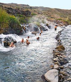 Aguas termales en Cacheuta , Mendoza, Argentina