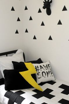 Monochrome / black and white big boy room makeover!