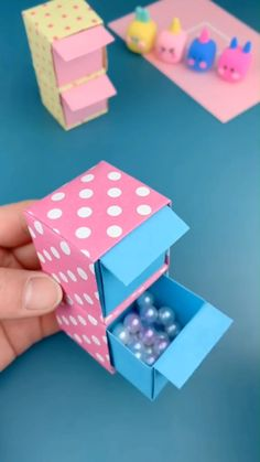 DIY Paper Storage Box - Diy and crafts interests Diy Crafts Hacks, Diy Crafts For Gifts, Diy Home Crafts, Diy Arts And Crafts, Creative Crafts, Fun Crafts, Crafts For Kids, Diy Crafts School, Instruções Origami