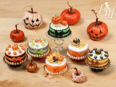 MTO-Halloween Cake Pumpkins Orange Bow Tiny Miniature