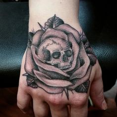 Amazing Cool Rose Tattoo Ideas for Women - Amazing Cool Rose Tattoo Ide. - Amazing Cool Rose Tattoo Ideas for Women – Amazing Cool Rose Tattoo Ideas for Women – - Chest Tattoo Skull, Skull Rose Tattoos, Tiny Flower Tattoos, Rose Tattoos For Men, Hip Tattoos Women, Black Rose Tattoos, Leg Tattoos, Sleeve Tattoos, Cool Tattoos