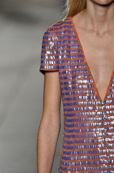 Carolina-Herrera-New-York-Fashion-Week-Spring-Summer-2018-NY-September-2017-look-32-detail1