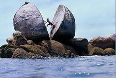 Split Apple Rock. Abel Tasman National Park South Island, New Zealand