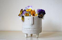 Small tripod planter in matt white glaze by AtelierStellaLondon: Great exemplar for a fun art assignment