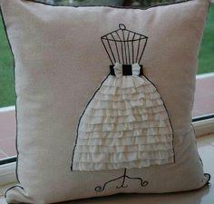 lindoooooo Sewing Pillows, Diy Pillows, Floor Pillows, Decorative Pillows, Throw Pillows, Pillow Fight, Pillow Talk, Recycling, Cushions To Make