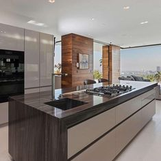 This newly built Contemporary style mansion is located at 1251 Shadow Hill Way in Beverly Hills, California. New James Bond, Property Design, Modern Mansion, Layout, Home Design Plans, Beautiful Kitchens, Beverly Hills, Luxury Homes, Kitchen Design
