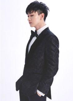 Post with 6 votes and 329 views. Super Junior - Super Show 7 Postcard Set Eunhyuk, Heechul, Donghae, Choi Siwon, Super Junior Profile, Lee Hyukjae, Programa Musical, Dancing King, Korean Boy