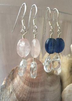 Näiden korvakorujen kirkkaus sekä taustana oleva kirkas lasi ei sopinut puhelimella kuvattavaksi. Järkkäri kaivettava kuvauksiin, niin saadaan nämäkin namut nettikauppaan. Kivaa ja kirkasta päivää!… Pearl Earrings, Drop Earrings, Pearls, Jewelry, Pearl Studs, Jewlery, Jewerly, Beads, Schmuck