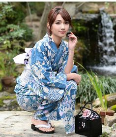 Hot Japanese Girls, Japanese Models, Japanese Beauty, Asian Beauty, Geisha, Kimono Fashion, Fashion Outfits, Cute Kimonos, Yukata Kimono