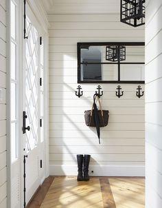 Really cute hooks. Vicky's Home: Casa del lago / Lake Cottage Coastal Living Rooms, Coastal Cottage, Home Living, Coastal Decor, Living Room Decor, Coastal Style, Coastal Bedrooms, Decor Room, Lake Decor