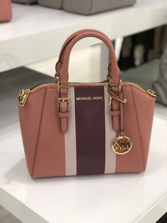 Michael Kors ciara messenger satchel on Mercari Fashion Handbags, Purses And Handbags, Fashion Bags, Leather Handbags, Cheap Handbags, Fashion Outfits, Trendy Purses, Cute Purses, Cheap Purses