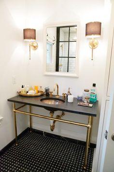 The Peak of Tres Chic: Needing, Wanting, Loving: Standing Washbasins