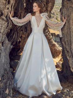 Fringe Wedding Dress, Wedding Dress Styles, Wedding Gowns, Wedding Attire, Bridal Looks, Bridal Style, Iconic Dresses, Dress Vestidos, Bridal Fashion Week