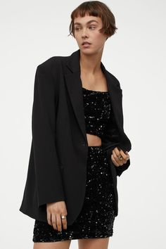 Fashion Art, World Of Fashion, Fitted Skirt, Fashion Company, Neue Trends, Everyday Fashion, Black Women, Personal Style, Sequin Skirt