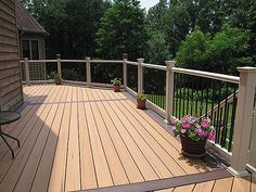 Two Tone Deck Ideas | Trex Two Tone Deck with Tan Newport Rails & Wrought Iron Spindles