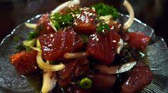Ahi poke (ensalada de atún hawaiana)