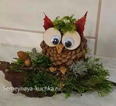 28 Best Christmas images in 2020 Pinecone Crafts Kids, Christmas Crafts For Toddlers, Pine Cone Crafts, Autumn Crafts, Easy Christmas Crafts, Nature Crafts, Diy Christmas Ornaments, Kids Christmas, Crafts For Kids